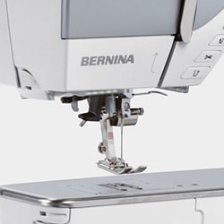 bernina_710_display